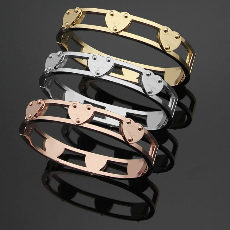 Tiffany & Co. stainless steel jewelry Link :